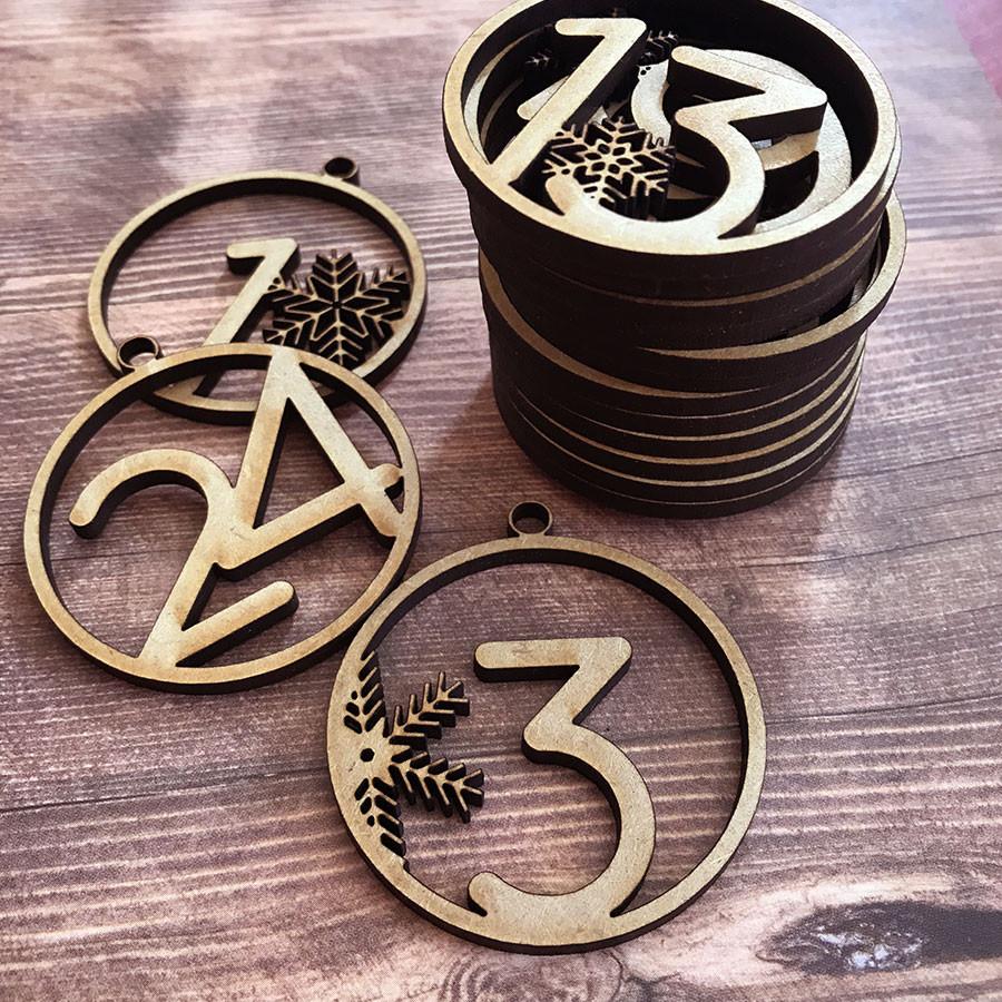 Chiffres de 1 à 24 en bois médium - 5 cm