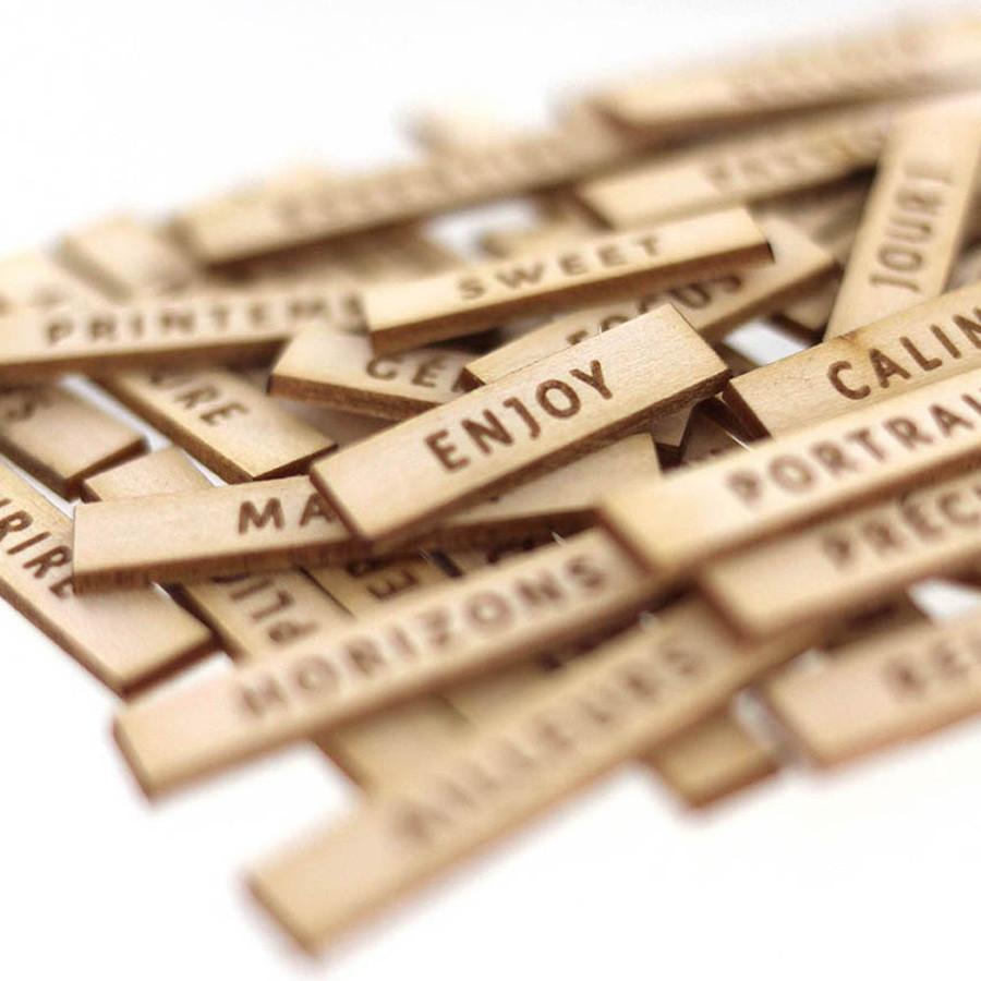Découpes en bois gravé Jolis mots #1