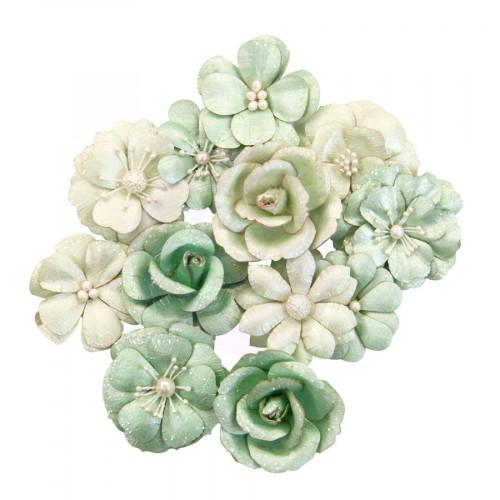 Fleurs en papier vert pâle