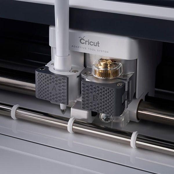 Machine de découpe électronique CRICUT Maker