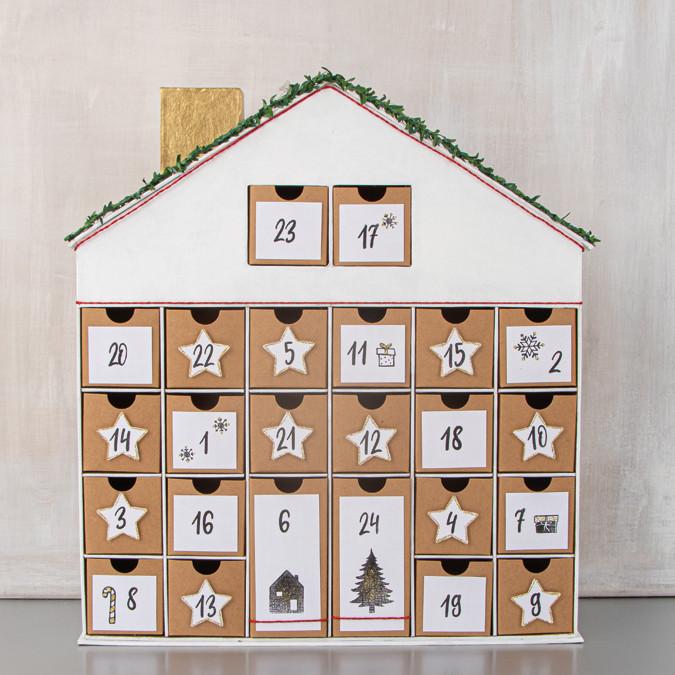 Calendrier de l'Avent en papier mâché Maison