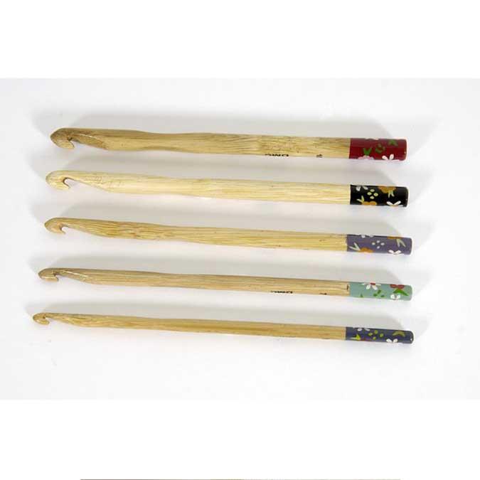 Crochet en bambou - N° 10