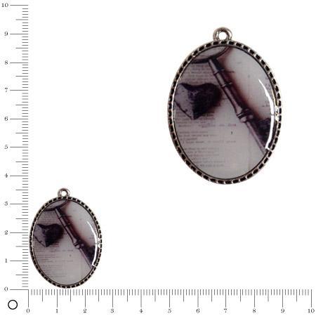 Breloque epoxy motif Clef et cœur L. 36 mm - Argenté vieilli