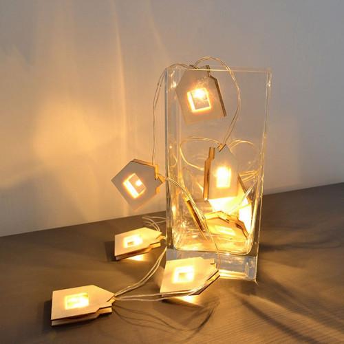 Guirlande en bois à LED - Maisons - 130 cm