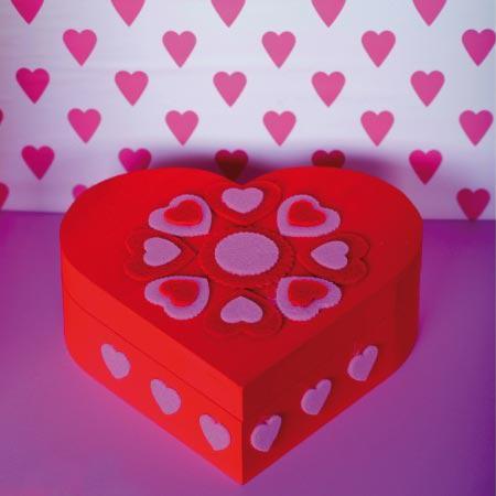 Support à décorer en bois - boîte cœur - 17 x 16 x 6 cm