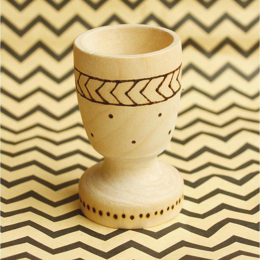 Coquetier en bois classique - 7 cm