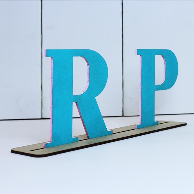 Lettre en bois médium - W majuscule - 8 cm
