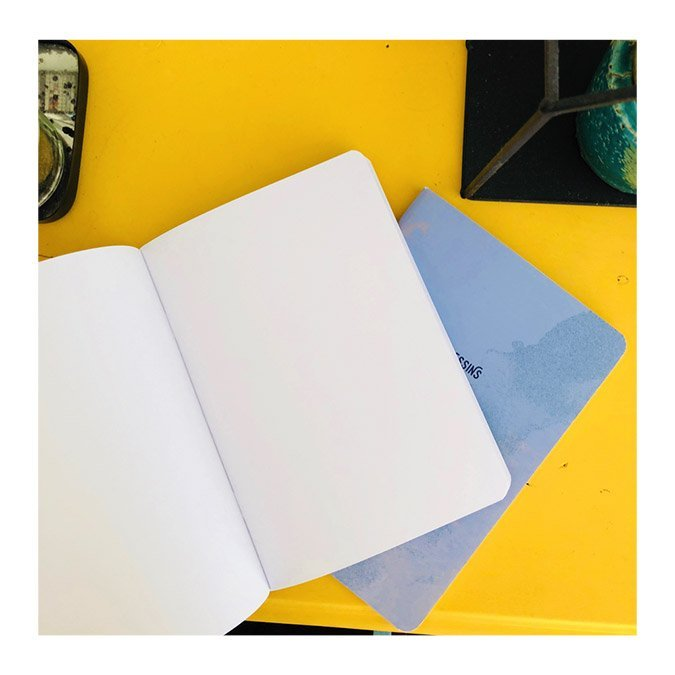 Carnet de dessins bleu - 48 pages blanches  - A6