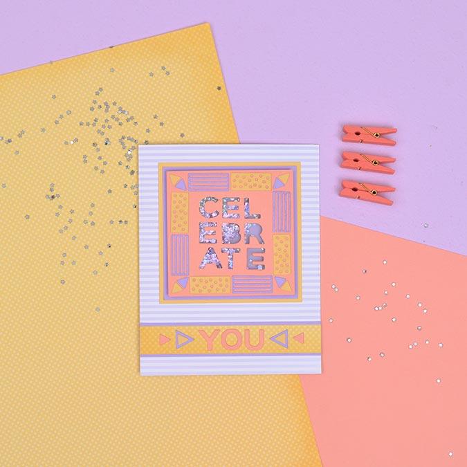 Thinlits Die Set Alphabet : majuscules Pop-Art - 37 pcs