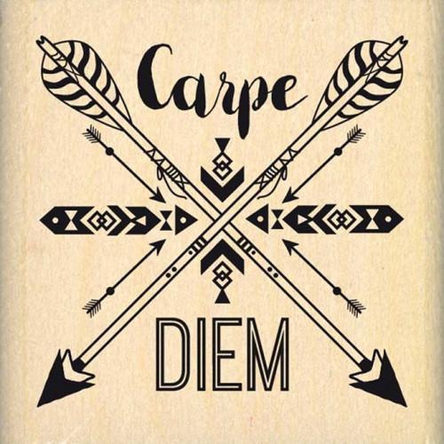 Dakota Valley - Tampon Bois - Carpe Diem fléché - 5 x 5 cm