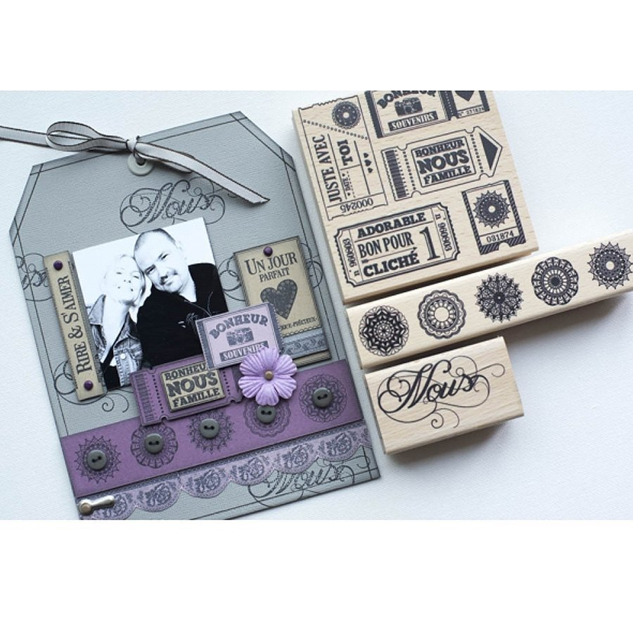 Chiffons & Dentelles - Tampon bois - Quelques tickets - 10 x 10 cm