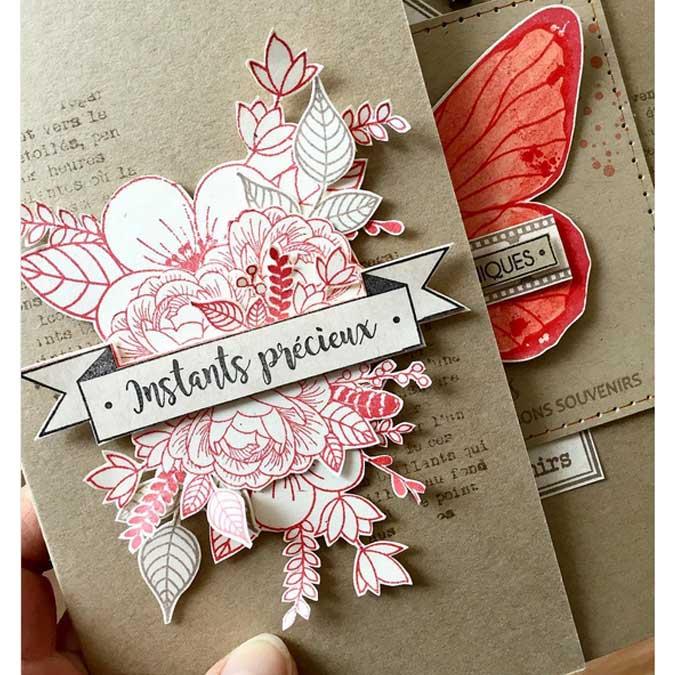 Envolée poétique - Tampon Bois - Papillon et plumes - 6 X 6 CM